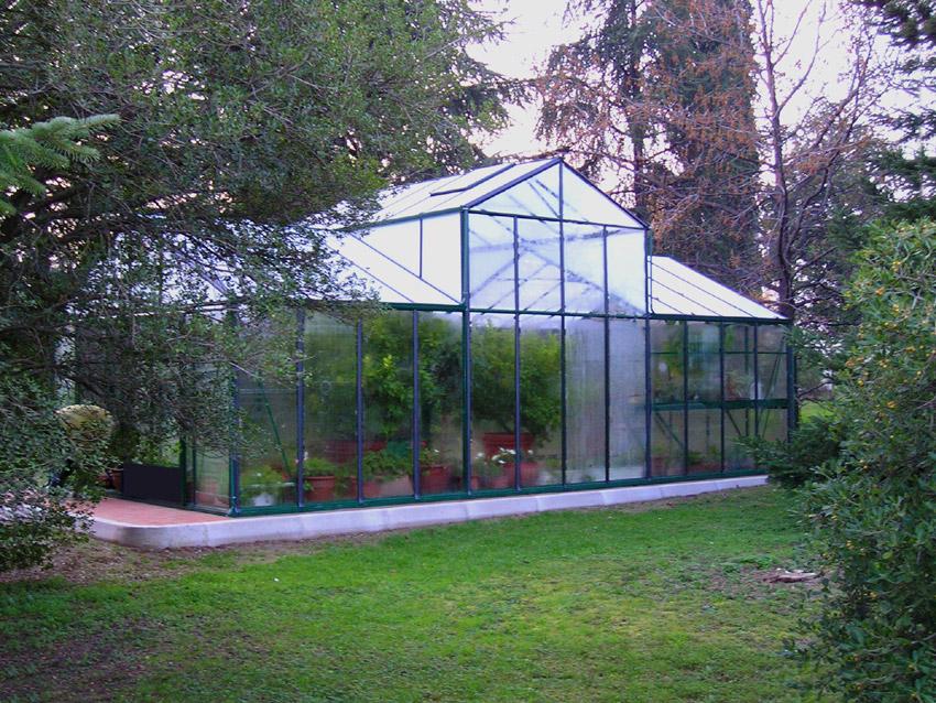 Euroserre italia giardino d 39 inverno elegante serra per for Green arreda